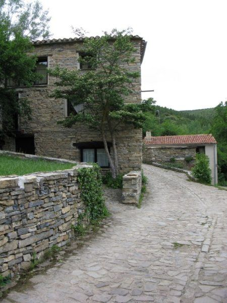 old country town in Spain, volunteering in trade for free accommodation