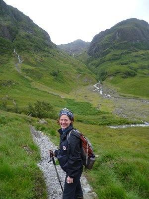 Nora Dunn of The Profesisonal Hobo, hiking in the Scottish highlands