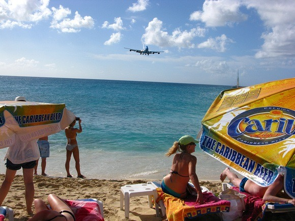 plane coming in for a landing at St. Martin airport