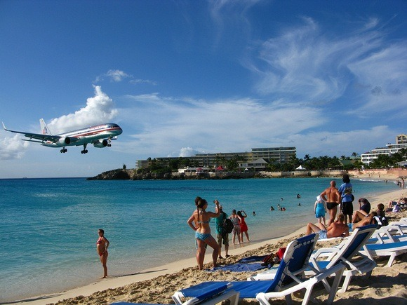 airplane coming in low over the beach in St Martin