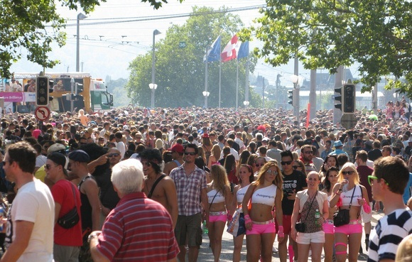 the crowds at Street Parade