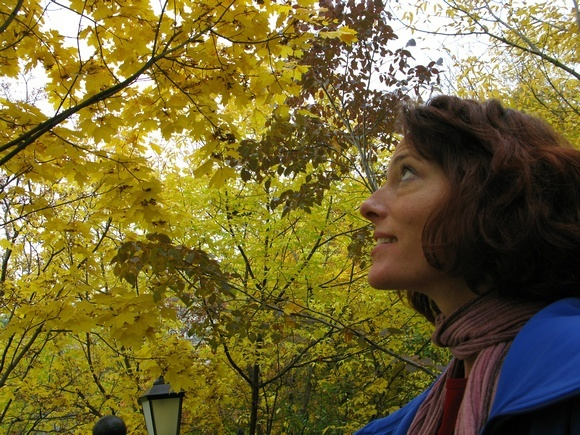 Nora Dunn, The Professional Hobo, admiring the fall colours in Kiev on an 8 Countries trip in 3 weeks