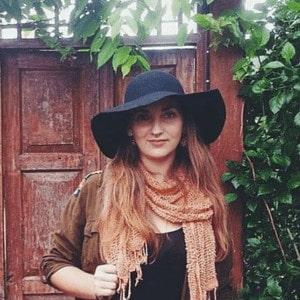 Financial Case Study: Shannon Ullman – Travel Blogger, Writer, English Teacher