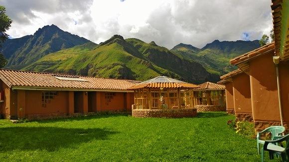 adobe construction in Peru