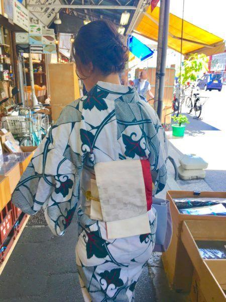 Tsukiji Fish Market outer market kimono