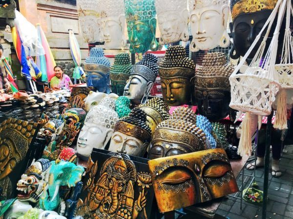 Buddha heads and Hindu religious figures - tools of enlightenment at the Ubud market - how to haggle in Bali