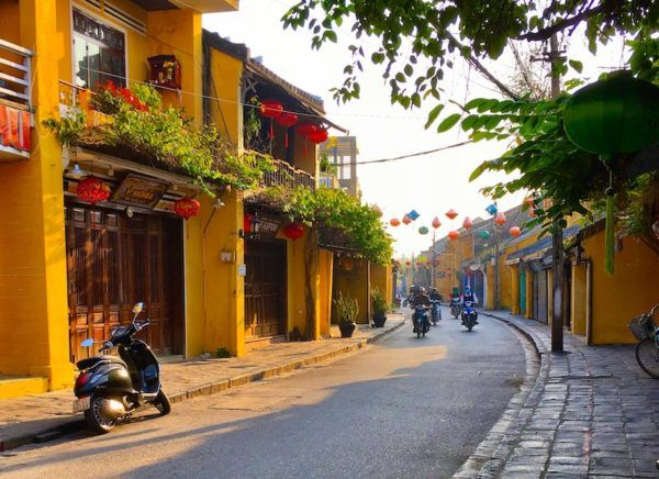 Hoi An old town at sunrise - it's empty!