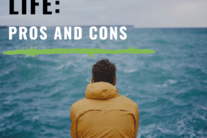 Expat life is full of ironies and idiosyncrasies. Here's the good, the bad, and the downright ugly of expat communities around the world. #expat #expatlife #livingabroad #lifeabroad #travel #fulltimetravel #longtermtravel #travelculture #theprofessionalhobo #travelnarrative #travelobservations