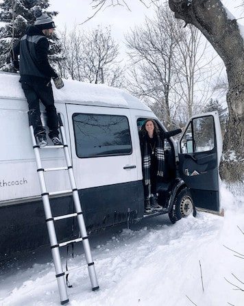 Alex-and-Frankie-Van-Lifers-in-the-snow