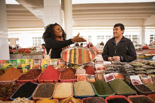 Lola in a spice market, busy being a Multipotentialite