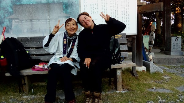 Isabelle Paccault - online translator and remote freelancer, posing with a woman while traveling full time
